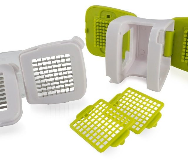 Garlic Press with Inbuilt Clear Plastic Tray